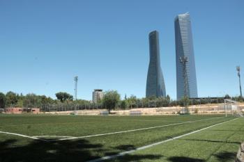 El Ayuntamiento de Madrid instalará césped artificial en todos los espacios antes de concluir la legislatura