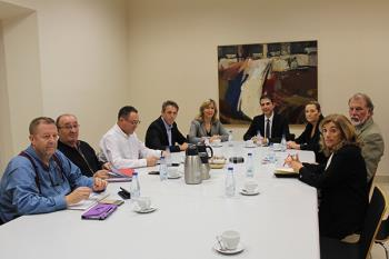 Fernández Lara y Castellanos se han reunido con el alcalde y los agentes sociales de Alcalá