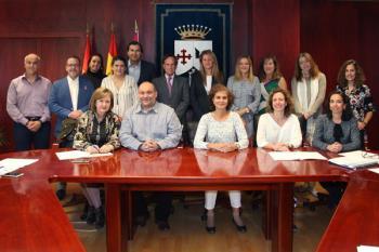 El alcalde recibe a los directores de los 14 colegios públicos de nuestro municipio para hacer balance y plantear necesidades