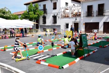 Señales de tráfico, semáforos y triciclos, entre otras actividades para promover la educación vial en el municipio