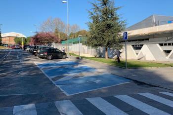 El Ayuntamiento ha instalado proyectores de luz en algunos pasos de peatones y prevén seguir haciéndolo los próximos meses