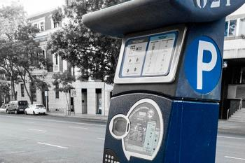 Los vecinos del Casco Histórico de Alcalá dispondrán desde el 1 de enero de una nueva tarjeta virtual para estacionar gratis en zona azul