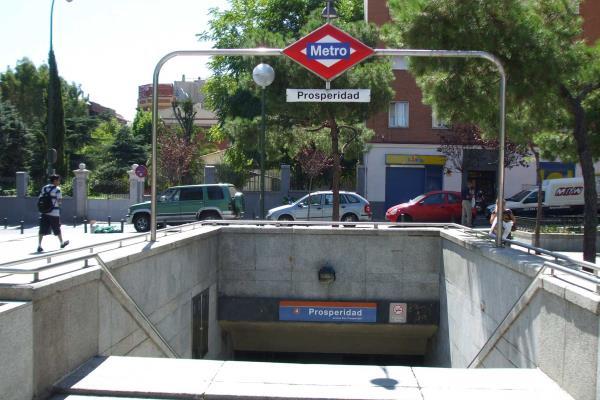 Los vecinos de Chamartín piden un ascensor en la estación de Metro de Prosperidad