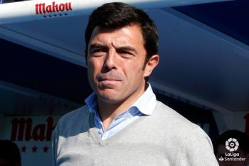 El técnico del filial se estrenó con victoria al frente del primer equipo