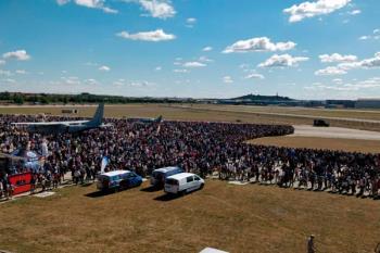 Las exhibiciones de acrobacias del Ejército del Aire se realizaron en la Base Aérea del municipio