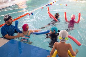 Los niños podrán disfrutar de actividades acuáticas, coreografías y psicomotricidad, entre otras