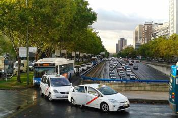 Hasta siete incidencias han complicado el acceso a la capital en hora punta