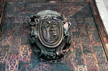 Durante las obras de Metro de Gran Vía se descubrió un mural de azulejo de Manises