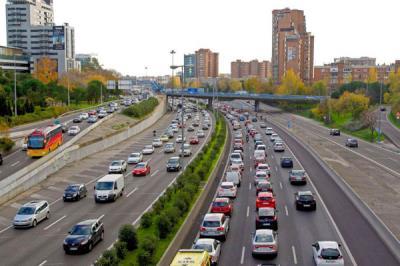 Lee toda la noticia 'Madrid planta cara a los vehículos contaminantes'