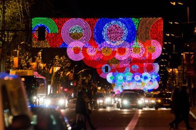 Lee toda la noticia 'Las luces de Navidad iluminarán Madrid'