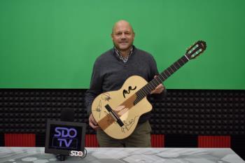 La marca MR Guitarras continúa con la construcción artesanal y busca su espacio en la creación de ukeleles en Fiji