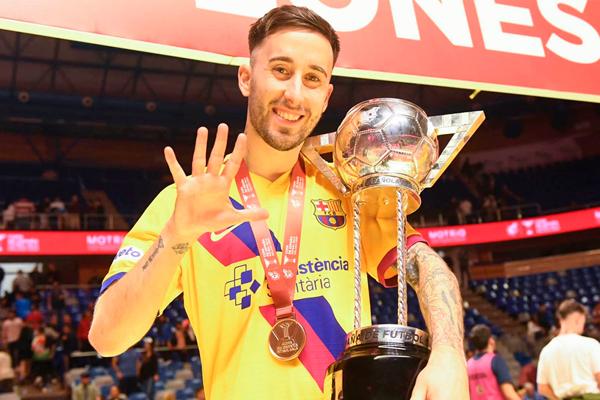 El jugador consiguió el trofeo en una final disputada ante Valdepeñas, entrenador por David Ramos