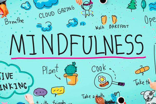 Montse Jurado Sueiro es enfermera en el Centro de Salud Castilla la Nueva y nos acerca los beneficios Mindfulness en Contextos de Salud
