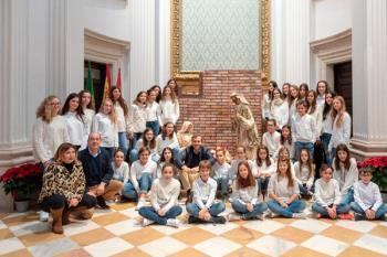 El grupo ha grabado la canción en el Palacio con los alumnos de la Escuela Municipal de Música
