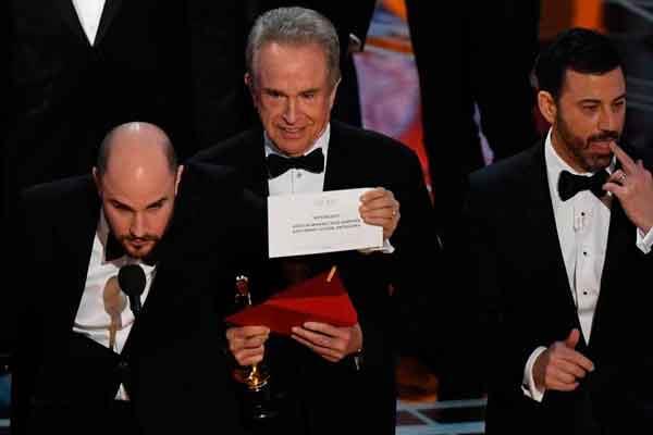 Por un error se ha dado como película ganadora a La la land