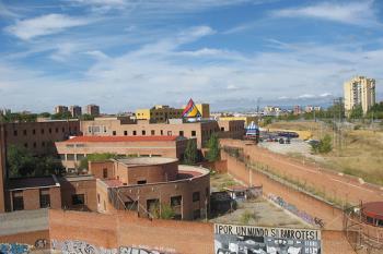 Los habitantes de estos distritos reclaman que se levante el hospital que se prometió en el año 2007, cuando Esperanza Aguirre ocupaba la presidencia de la Comunidad