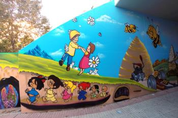 """La última """"obra de arte"""" ha sido realizada en el paso peatonal de la Av. de España"""