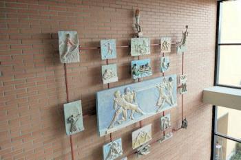 La obra 'Fuerza' se expone de manera permanente en el Polideportivo Dehesa Boyal