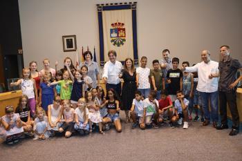 Los jóvenes pasarán el verano con familias de acogida de nuestra ciudad