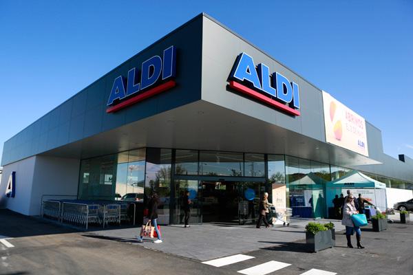La cadena de supermercados inaugura nuevo establecimiento en la Avenida de las Nieves, 39