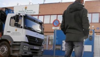 ha rechazado la cesión gratuita de un camión de recogida que desde hace dos semanas hubiera permitido reforzar las rutas de recogida de basura en la ciudad
