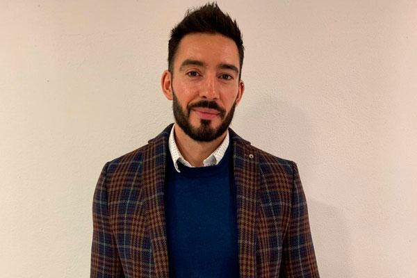 """Conocemos la metodología formativa de la """"Escuela de Pares"""", promovida por CESIDA de la mano de César Delgado"""
