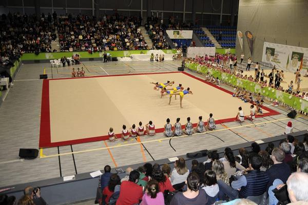 Polideportivos abiertos por la noche para fomentar el ocio entre los jóvenes boadillenses