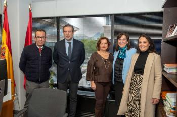 La alcaldesa Susana Pérez Quislant, acompañada de distintas personalidades, han visitado las instalaciones