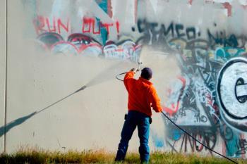 Nuestra ciudad ha eliminado más de 10.500 metros cuadrados de pintas en el último año