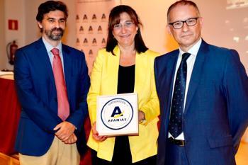 La alcaldesa de la ciudad, Susana Pérez Quislant, fue la encargada de recoger este reconocimiento