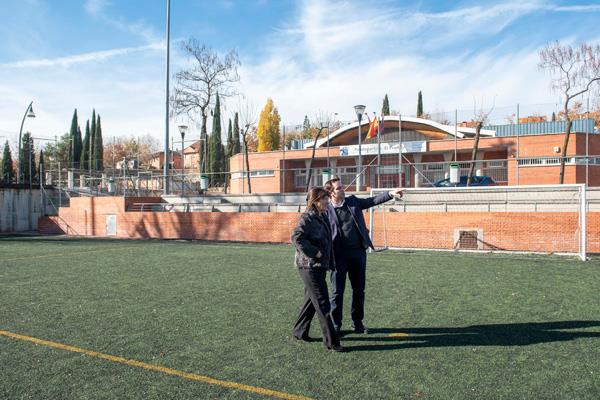 Pozuelo de Alarcón renovará el césped del campo de fútbol El Pradillo