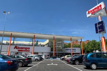 Lleno total en el primer día del nuevo supermercado de Fuenlabrada