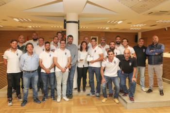 Jugadores y cuerpo técnico recibieron un homenaje en el Ayuntamiento
