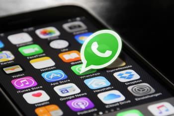 Accede al servicio enviando un mensaje de WhatsApp a los números indicados