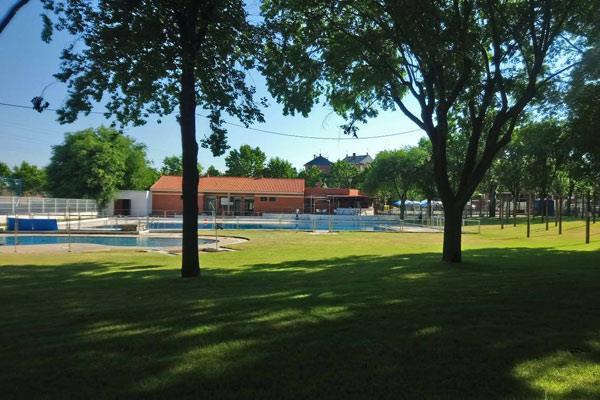 Refréscate en la piscina municipal
