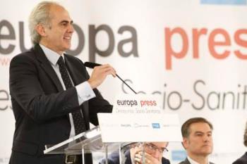 Enrique Ruiz Escudero propone un plan de atención primaria para 2020