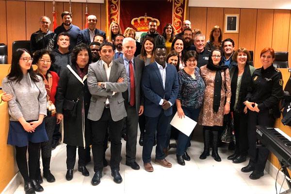 En el acto celebrado en el Salón de Plenos se han leído los treinta artículos de la Declaración Universal