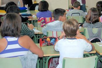Las ayudas escolares tienen un valor de 100.000 euros y están destinadas a Educación Infantil, Bachillerato y FP