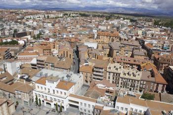 El consistorio destinará 50.000 euros a la compra de desfibriladores para los edificios municipales