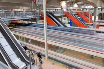 La jornada vuelve a coincidir con una fase de 'Operación salida' y en el total de cuatro días programados, se han cancelado 1.152 trenes