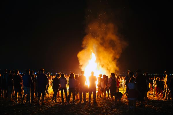Conocemos las múltiples tradiciones que rodean a la festividad de San Juan