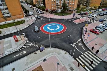 Lee toda la noticia ' Siete rotondas agilizarán el tráfico en la localidad'