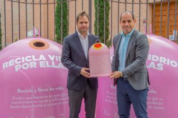 La campaña fomenta el reciclaje de vidrio y la solidaridad frente al cáncer de mama