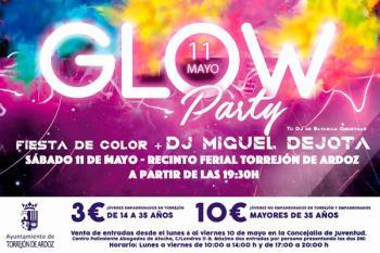El municipio ha acogido este 11 de mayo la Glow Party en el Recinto Ferial