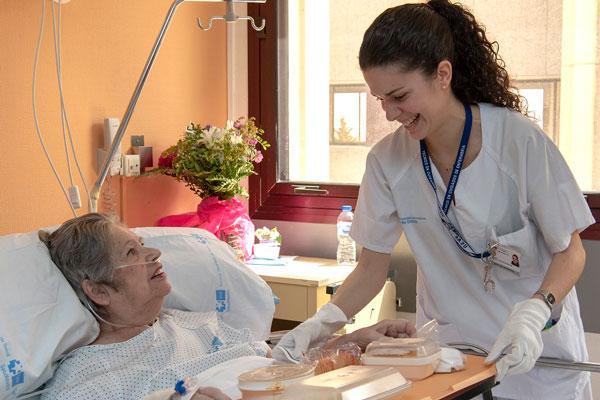 La alcaldesa de Getafe, Sara Hernández, ha tratado el tema de la sanidad en el municipio