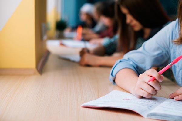 Un estudio de la UAH demuestra que la EVAU no muestra el nivel real de inglés