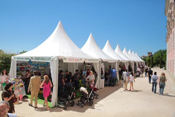 Boadilla celebra su VIII Feria del Libro con firma de libros, exposiciones y caricaturas