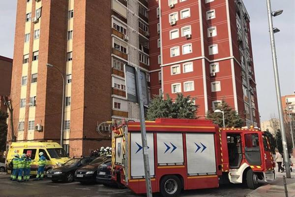 Un hombre herido grave por un incendio en su casa en Fuenlabrada