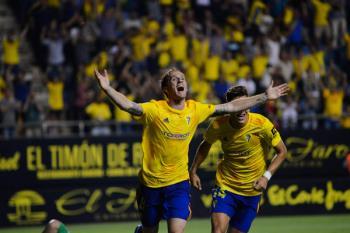 Álex Fernández ha comenzado la temporada como un tiro: 4 goles en un Cádiz líder