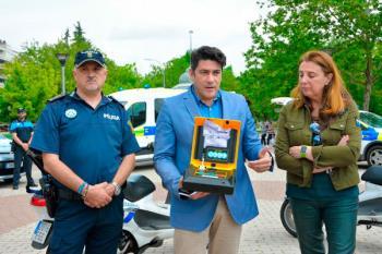 Se han instalado nuevos desfibriladores en vehículos de emergencias de la localidad como parte del plan de cardioprotección